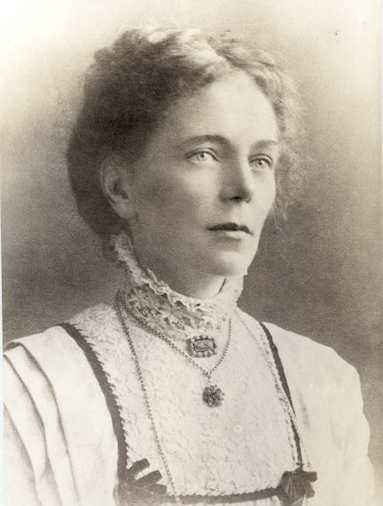 Image of Esther Elizabeth Garner in 1911